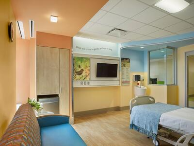 CHoNY PICU Patient Room with Environmental Graphics - Array Architects